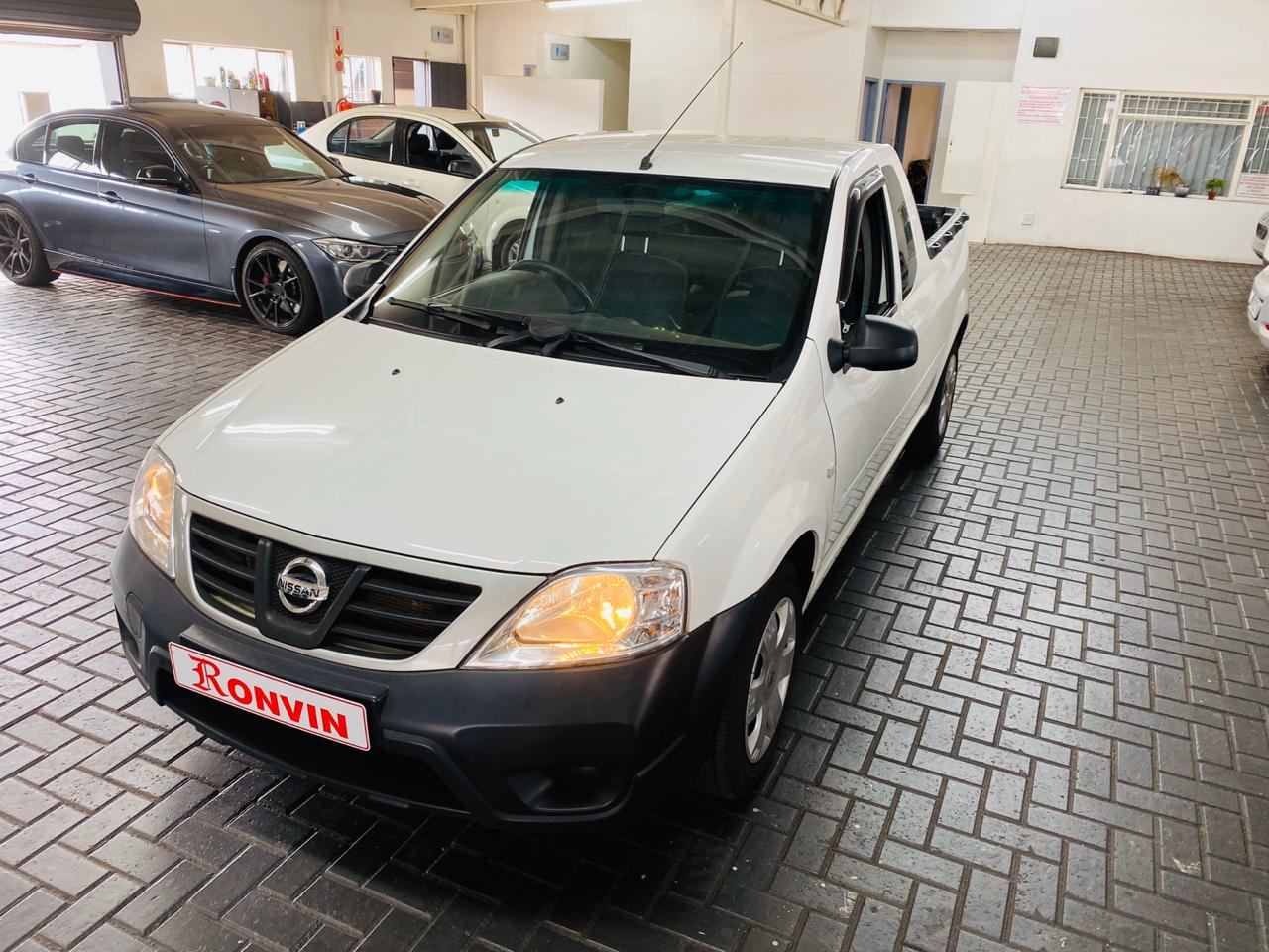 NISSAN NP200 1.6I SAFETY PACK A/C